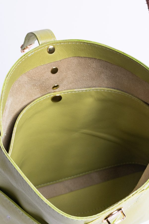 Lynn Bag in a soft green leather - Inside pocket view