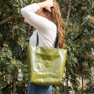 Large Travel Tote – Zipper on Top – Large Pockets – Carol Tote Bag – Leather Green Emerald Leather – Black Handles